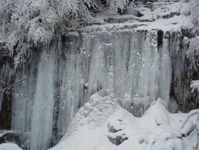 瓦屋山冰瀑 - 旅游景点 - 眉山全搜索—眉山人吃住行
