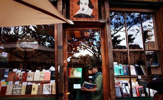 在世界上最美的书店里 还能安心看书么